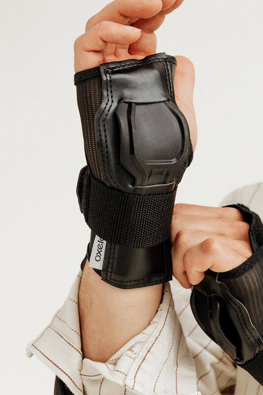 อุปกรณ์ป้องกันข้อมือสำหรับผู้ใหญ่รุ่น Fit500 (สีดำ/เทา)