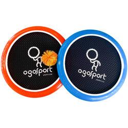 Descubra as alegrias do disco voador e dos desportos de raquete.
