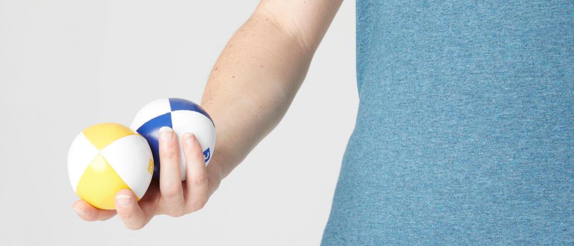 Apprendre à jongler et à fabriquer ses balles de jonglage