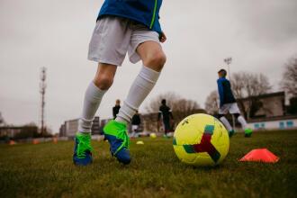 Cum alegi mingea de fotbal?