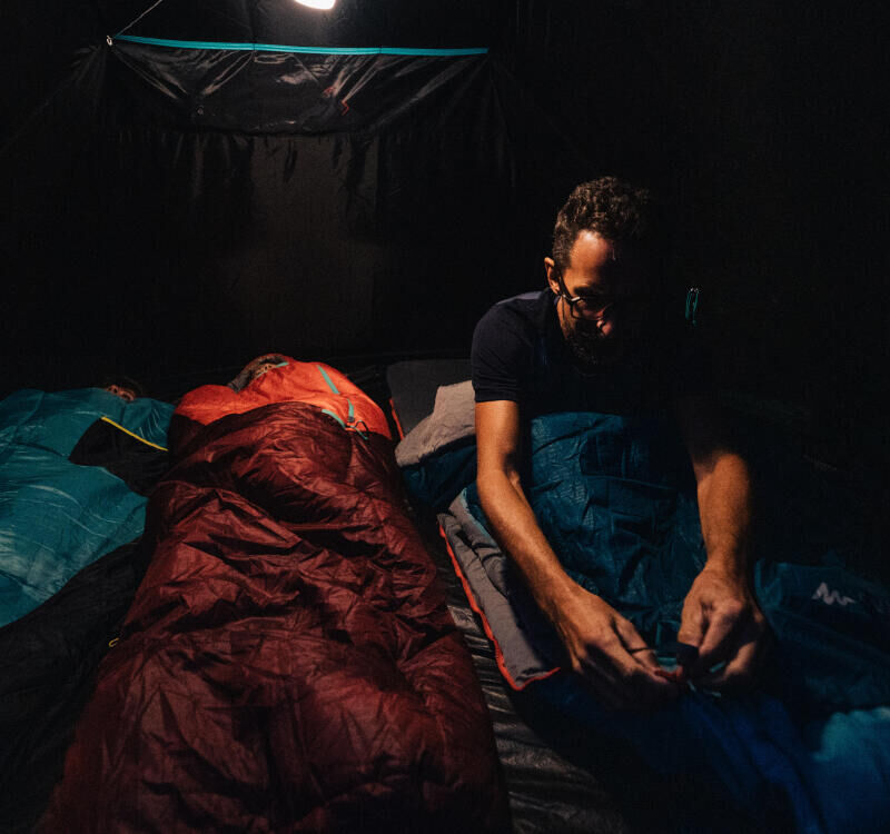 5 tips to ensure you're never cold in your sleeping bag - title