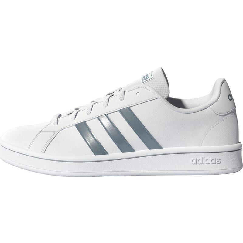 Chaussures marche urbaine femme Adidas GD court base blanc argent