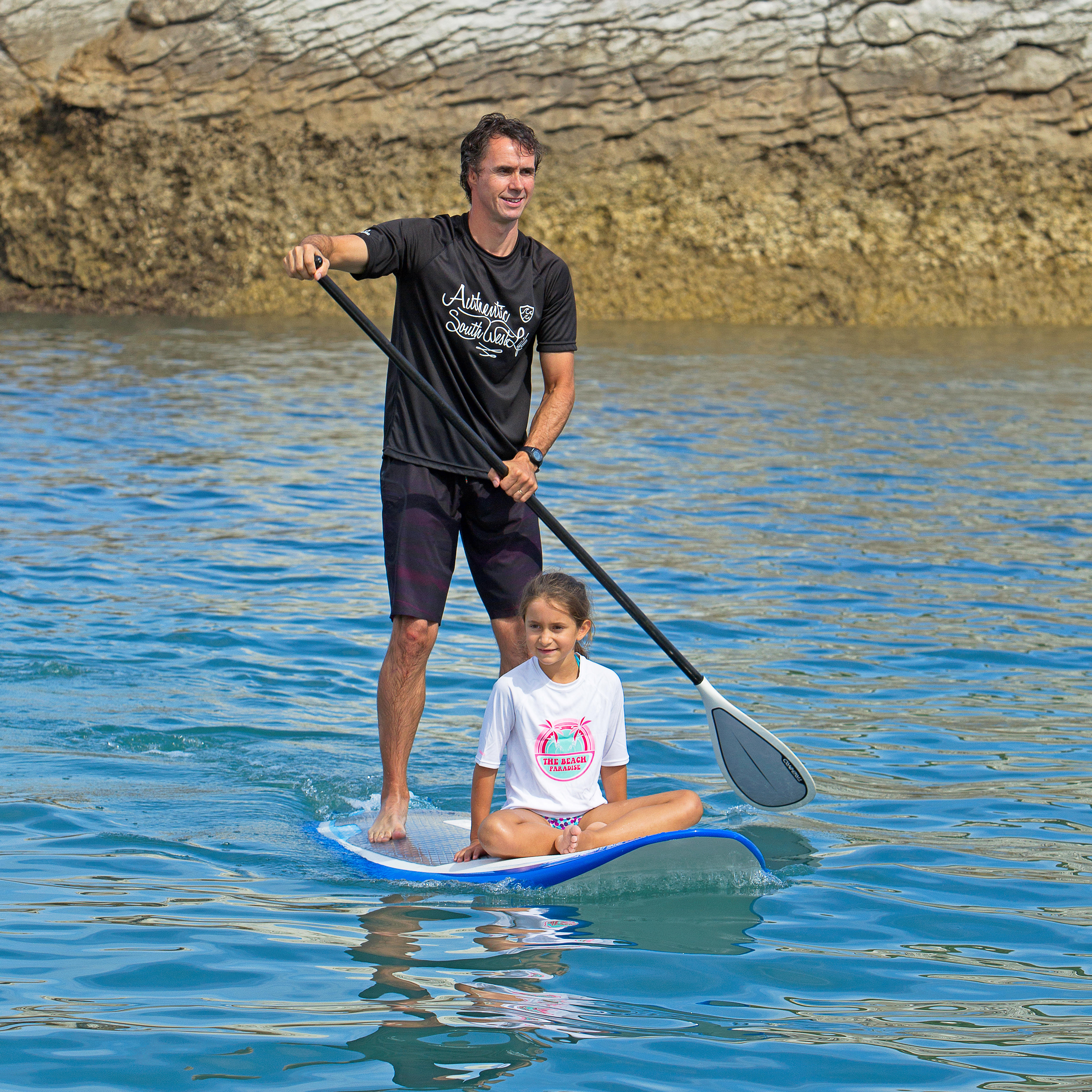 STAND-UP-PADDLING-CHILDREN