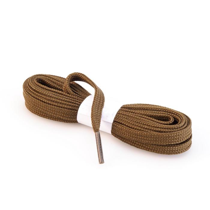 Cordones planos de botas de senderismo marrón