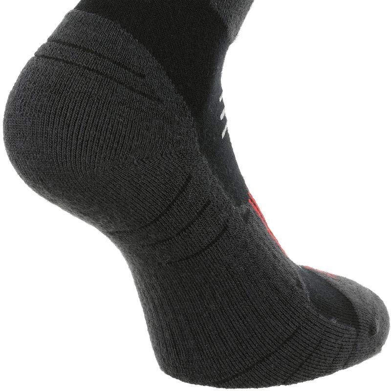 Chaussettes de randonnée neige adulte SH520 x-warm mid noires rouge.