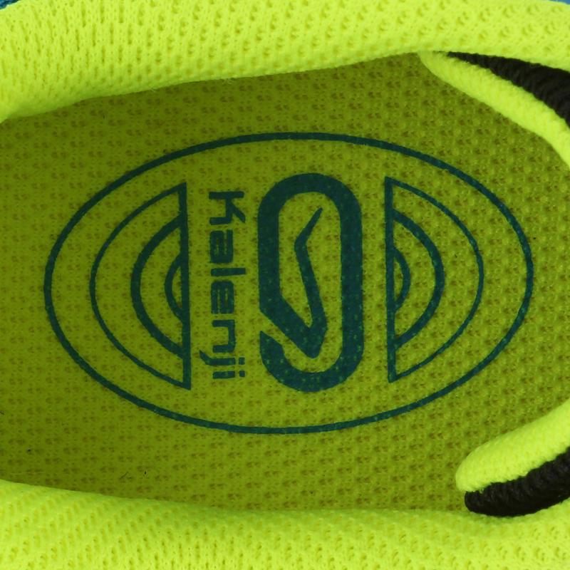 รองเท้ากีฬาสำหรับเด็ก (สีขาว/แดง)