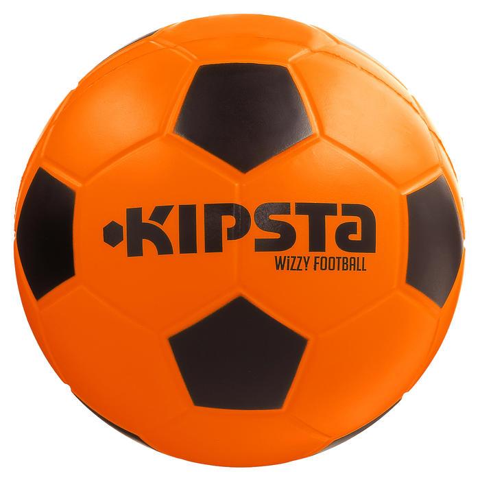 Schuimstof voetbal Wizzy maat 4 oranje zwart