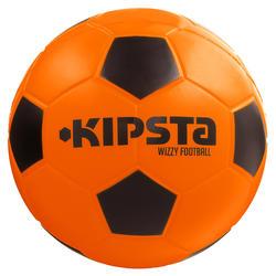Schuimstof zaalvoetbal Wizzy maat 4 oranje zwart