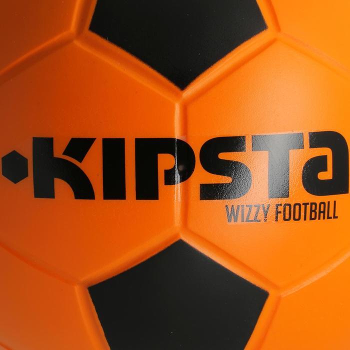 Balón de Fútbol Kipsta de espuma Wizzy talla 4 naranja y negro