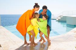 Set voor kinderen met een gele microvezel badjas en gele microvezel handdoek M - 424030