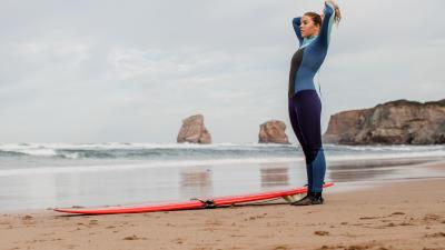 comment-choisir-une-combinaison-de-surf-640x435.jpg