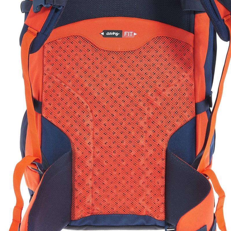 FORCLAZ 50 EASYFIT JUNIOR Backpack Red, the backpack with automatic adjustments!