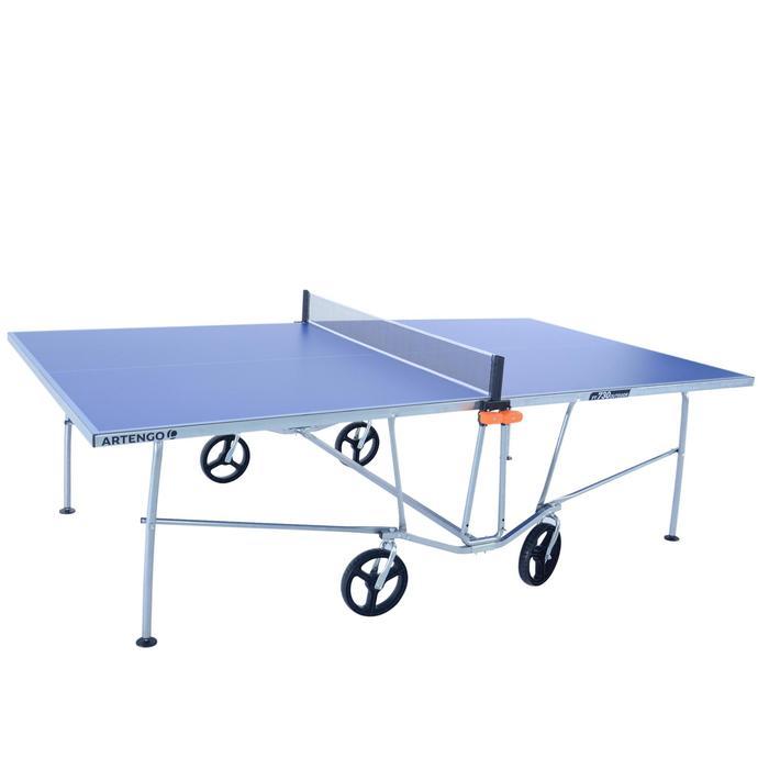 Poteaux amovibles Artengo pour table de tennis de table.