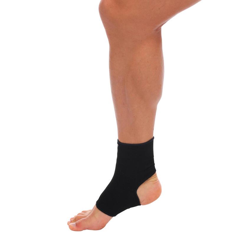 Soft 100 Right/Left Men's/Women's Compression Ankle Support - Black