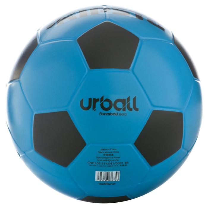 Voetbal Wizzy in hard schuimrubber maat 4