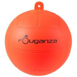 Balón rojo para cuadra equitación
