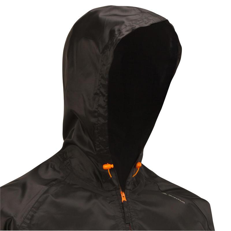 เสื้อแจ็คเก็ตกันฝนผู้ชายมีคุณสมบัติกันน้ำสำหรับใส่เดินในเส้นทางธรรมชาติรุ่น NH100 Raincut (สีดำ)
