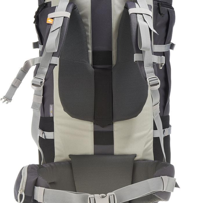 Sac à dos de trekking en montagne homme | FORCLAZ 90L gris
