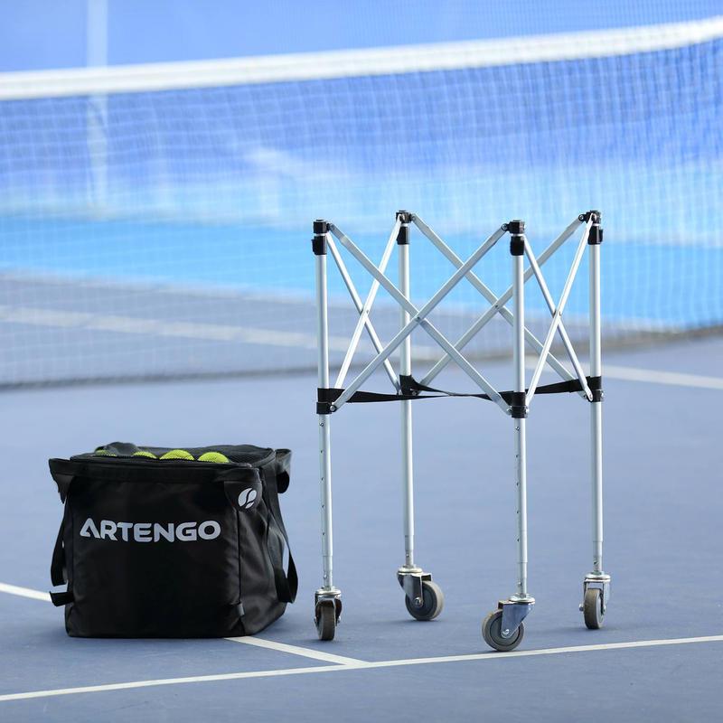 Giỏ đựng bóng tennis có bánh xe