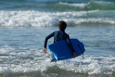 100 Kids' Technical 1st Price Bodyboard 6-12 years 35_QUOTE_ + Leash - Blue