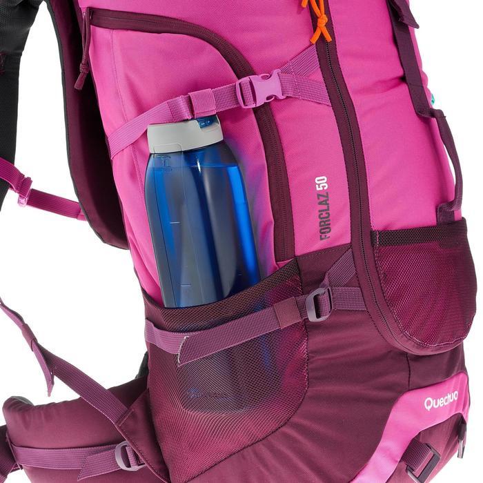 Mochila Trekking Forclaz 50 litros malva