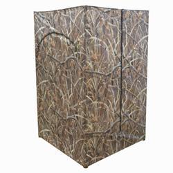 Vierkante loertent met moerascamouflage