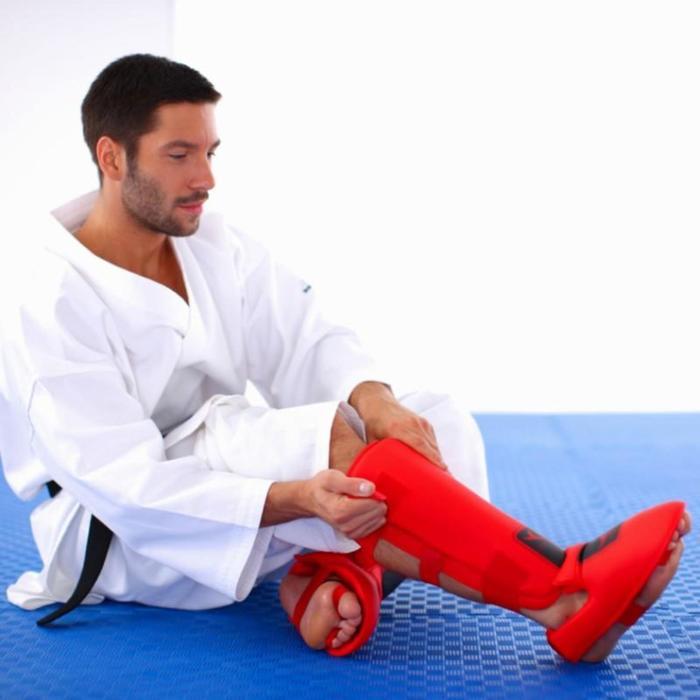 Scheen- en voetbeschermer voor karate rood