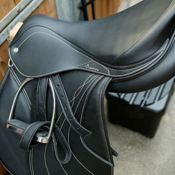 """Selle mixte synthétique à arçon réglable équitation cheval RIDE 2 noir 17""""5 - 824280"""