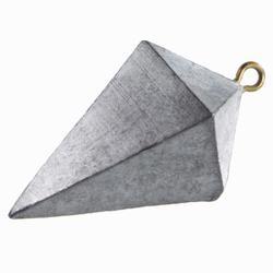 Plomo de pesca en el mar pirámide