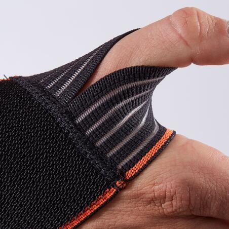 Soft 300 Men's/Women's Left/Right Wrist Support - Hitam
