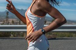Digitaal sporthorloge voor dames en kinderen W500 S Swip, stopwatch - 876461