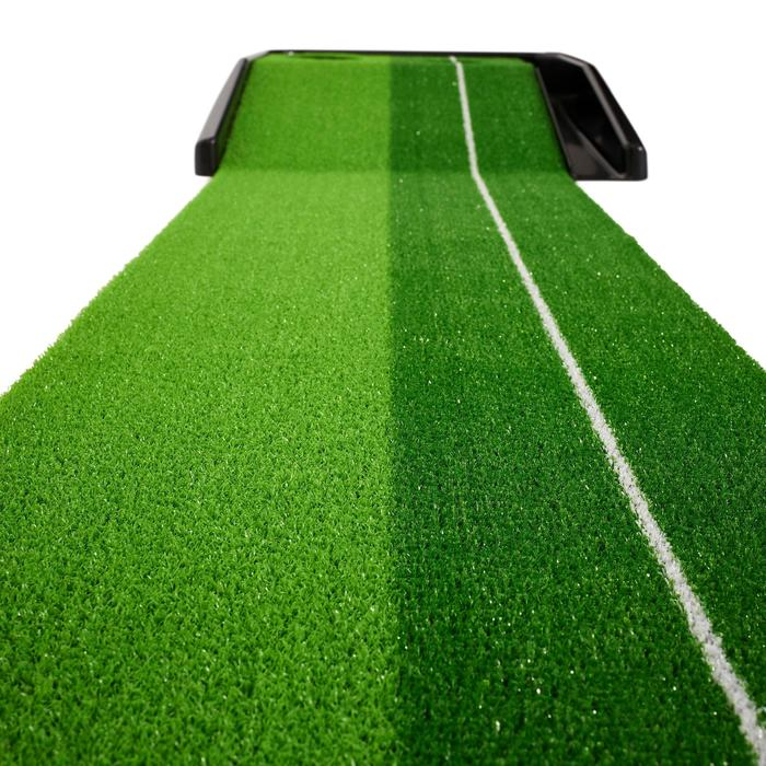 Putting mat met terugkeersysteem