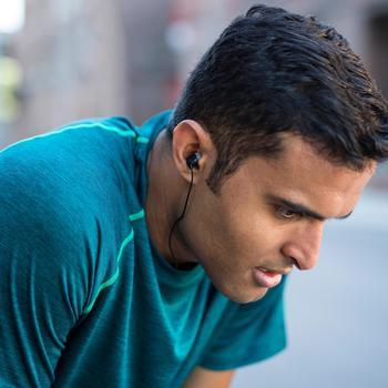 Montre connectée multisports avec cardio poignet et GPS Vivoactive HR noir