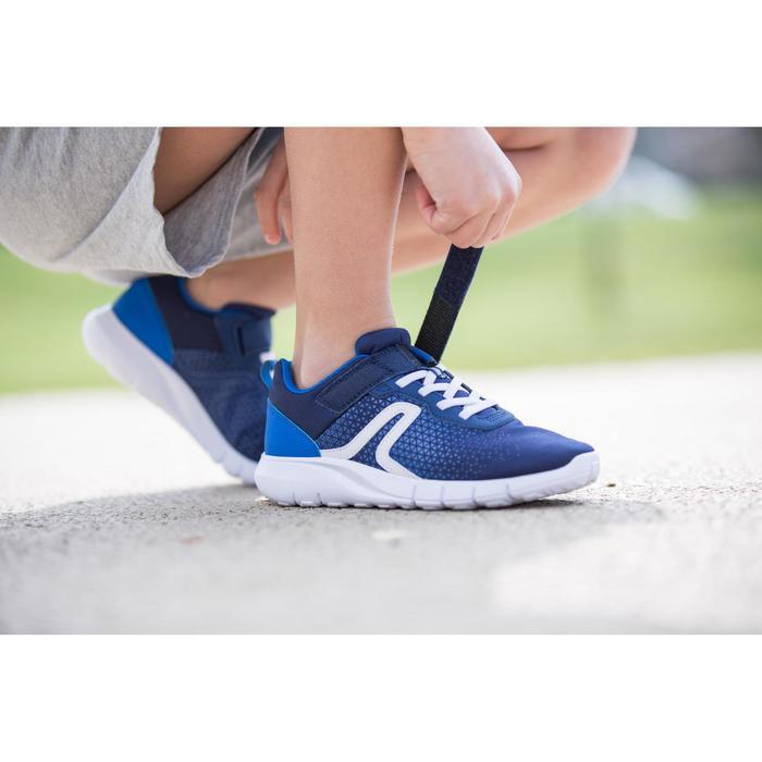 Kindersneakers voor wandelen en sport op school Soft 140 marineblauw / wit