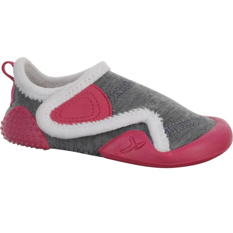 a64a7c07 Zapatillas primeros pasos gimnasia infantil BABYLIGHT gris/rosa forro  blanco | Domyos by Decathlon