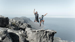 landschap-wandelen-vrienden-berg