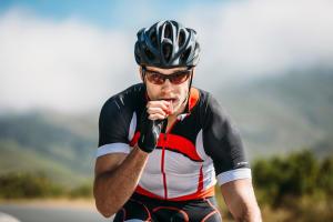 Conseils-nutrition-le-point-sur-les-idées-reçues-cycliste-homme
