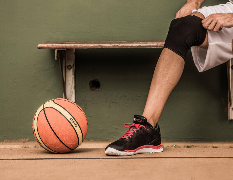 5 REASONS WHY YOU SHOULD START PLAYING BASKETBALL