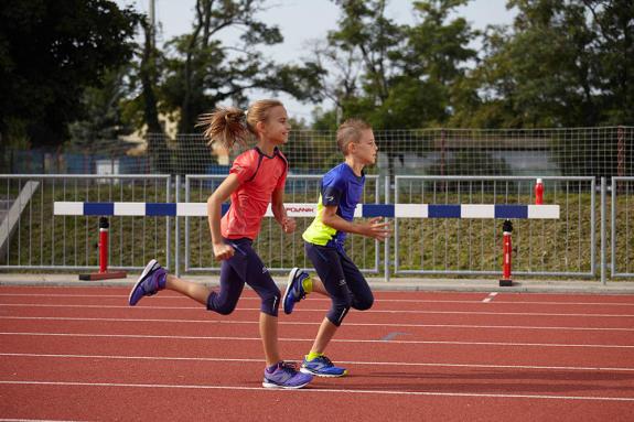 conseils-athlétisme-bienfaits-enfants-course