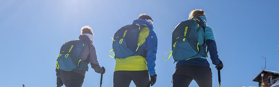 Attacher ses skis sur son sac en ski de randonnée