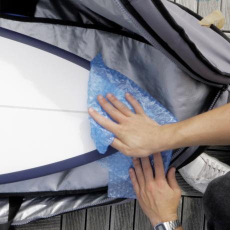 Papier bulle pour protéger le nose de sa planche de surf