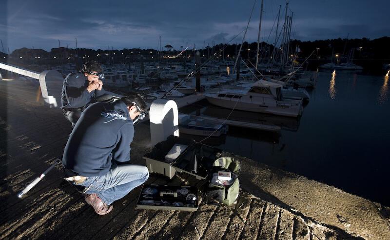 visvangst-nacht-ponton-zee