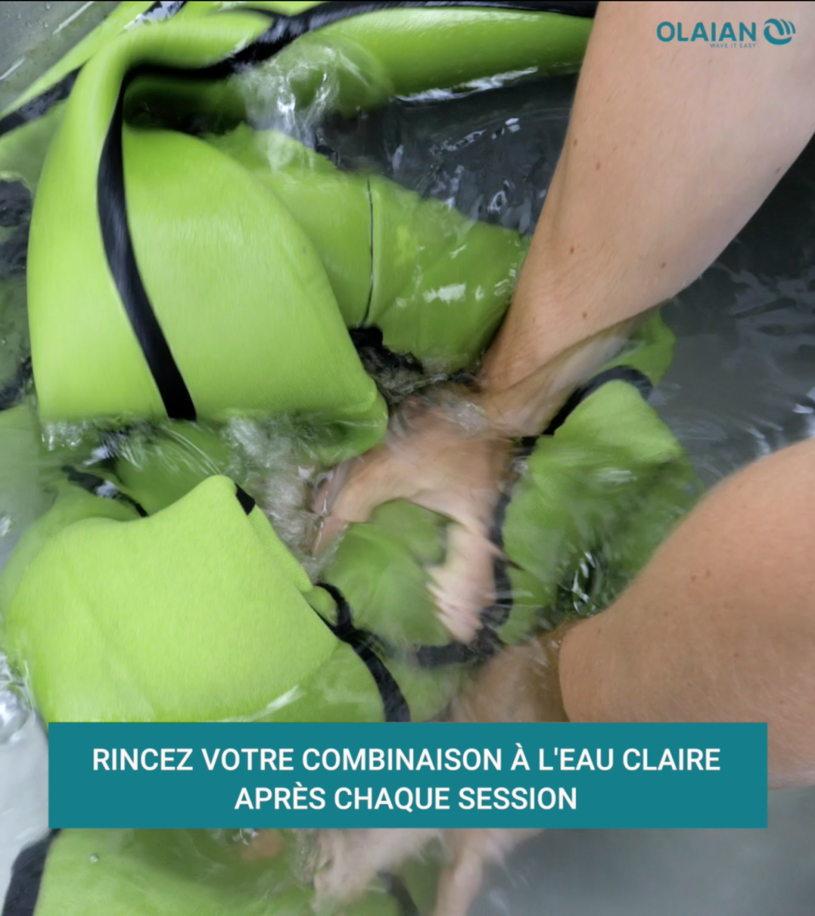 rincer sa combinaison à l'eau claire après chaque session