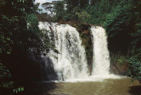 cascades banlung ratanakiri cambodge