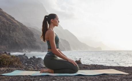yoga pieds étirement