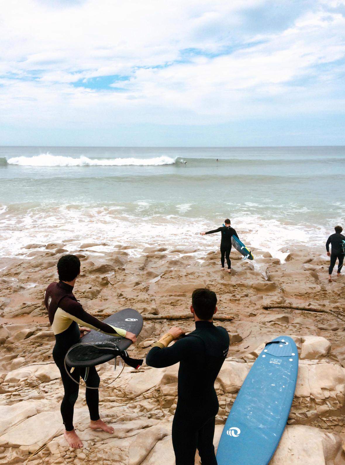 surfeurs en planches de surf en mousse olaian