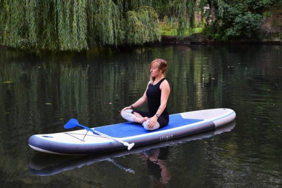 stand-up-paddle-yoga-19_posture_du_lotus
