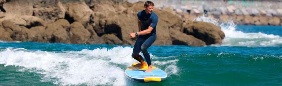 stand-up-paddle-comment-surfer