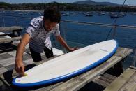 dewaxer sa planche de surf