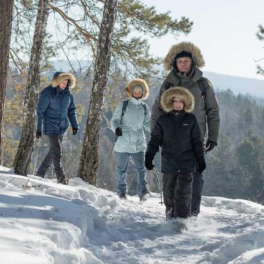 Scegli il tuo abbigliamento da escursionismo sulla neve con i consigli di Quechua by Decathlon